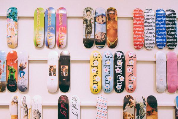 Největší kolekce Supreme skateboardových desek