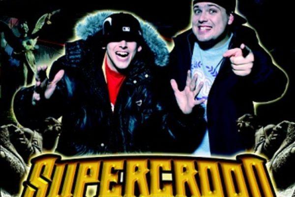 Supercrooo - 2 nosáči tankujou super